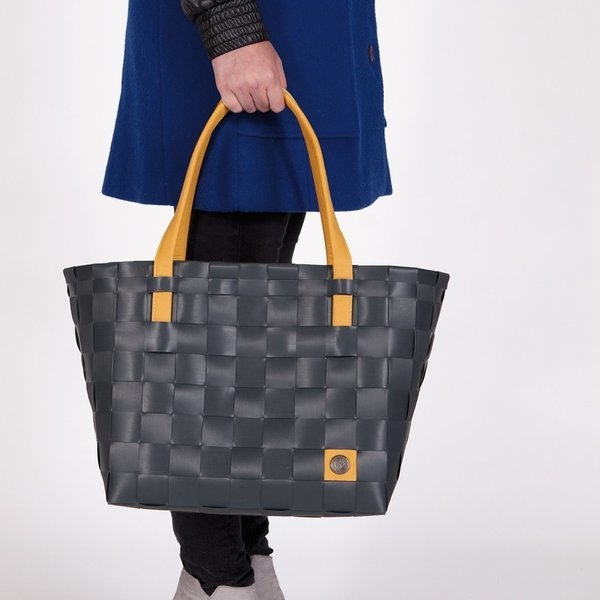 shopper color Block - Handed By